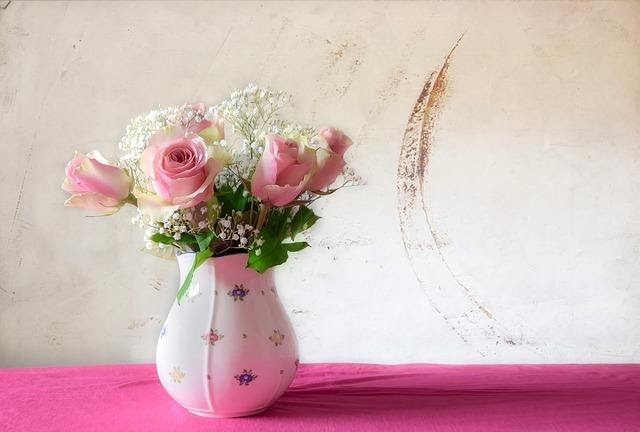 BEST WAYS TO SURPRISE SOMEONE WITH GIFT ON BIRTHDAY