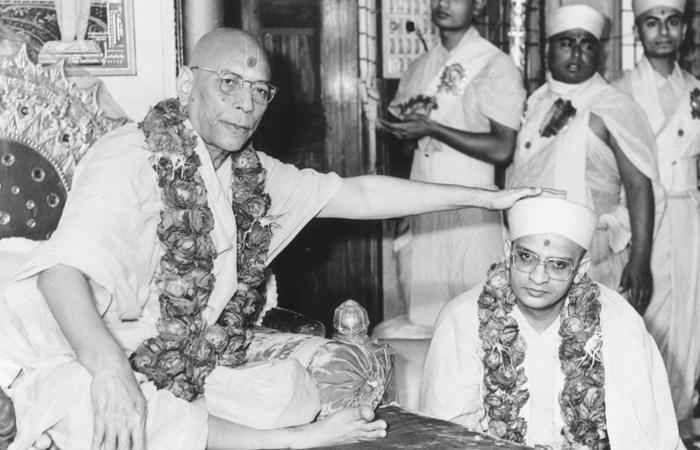 Acharya Shree Purushottampriyadasji Swamishree Maharaj - Ibandhu